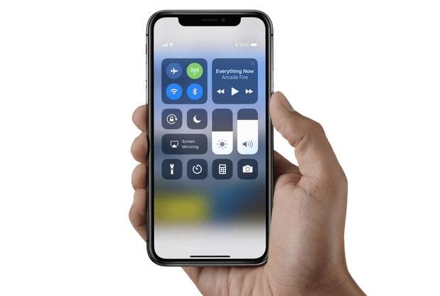 Tắt rồi bật Wifi khắc phục lỗi iPhone bắt được Wifi nhưng không hiện cột sóng