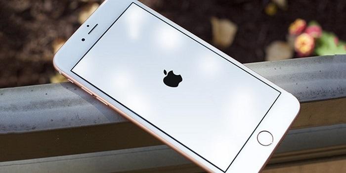 Khởi động lại điện thoại iPhone là thủ thuật đơn giản nhất để sửa lỗi
