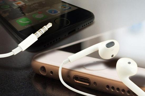 Điện thoại chỉ nghe được khi cắm tai nghe