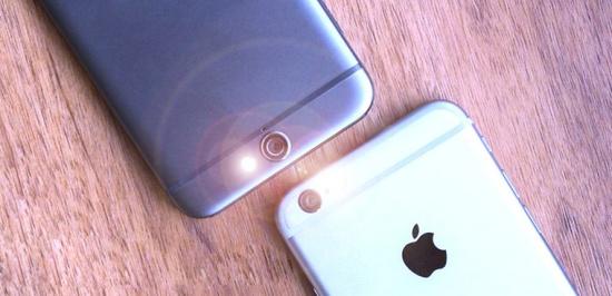 Nguyên nhân đèn flash tự sáng trên điện thoại